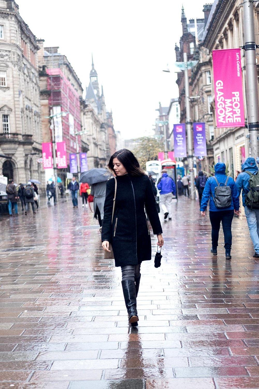 Rachel Off Duty: Woman Walking in Glasgow - Buchanan Street Walking