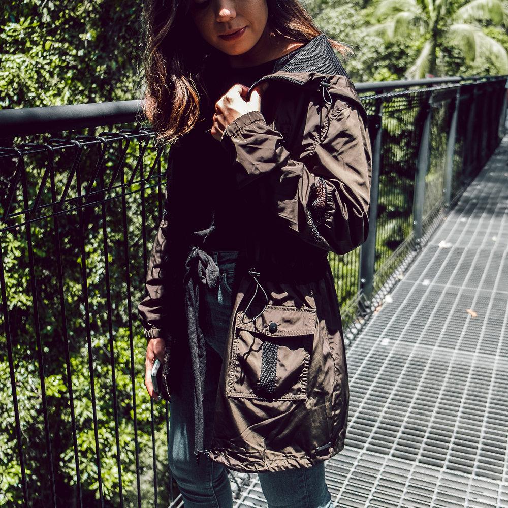 Rachel Off Duty: Woman Wearing a  Jacket
