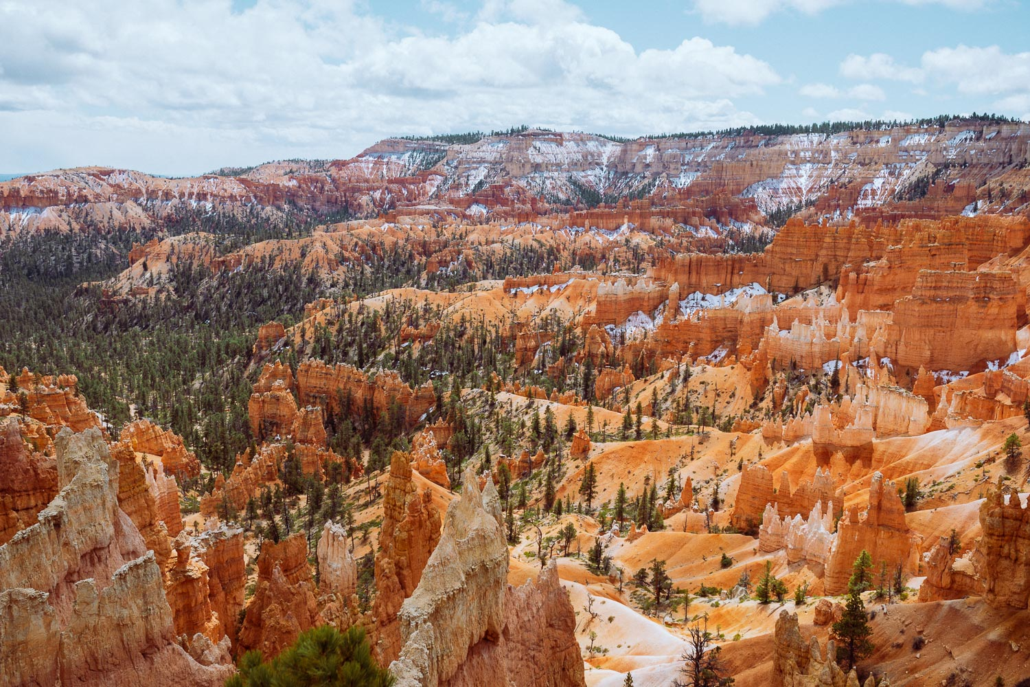 Rachel Off Duty: The View of the Bryce Canyon National Park Amphitheater